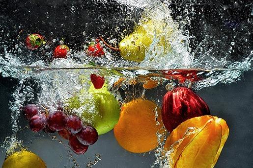 Questa immagine ha l'attributo alt vuoto; il nome del file è fruitwater.jpg