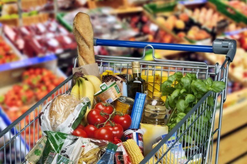Questa immagine ha l'attributo alt vuoto; il nome del file è da-tutto-pepe-troverete-tanti-prodotti-alimentari-confezionati-delle-migliori-marche-ed-un-assortimento-di-prodotti-enogastronomici-.jpg